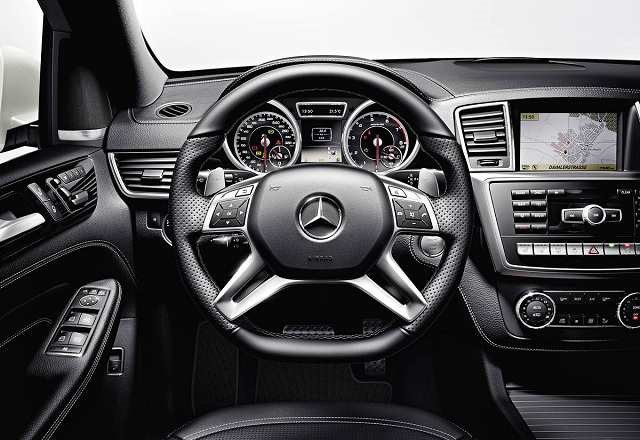 2017 Mercedes ML-Class - interior