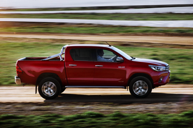 2017 Toyota Hilux - side