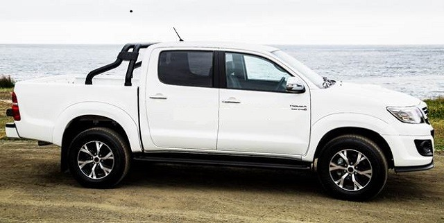 2018 Toyota Hilux  - side