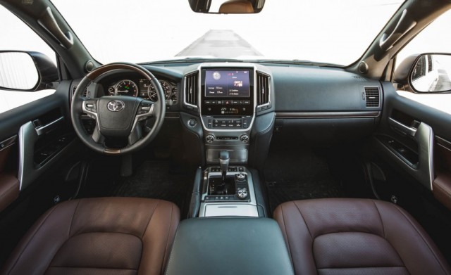 Toyota Land Cruiser 2017 interior