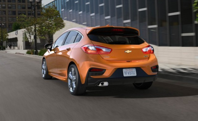 2017 Chevy Cruze Hatchback rear