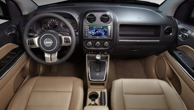 2017 Jeep Compass - interior