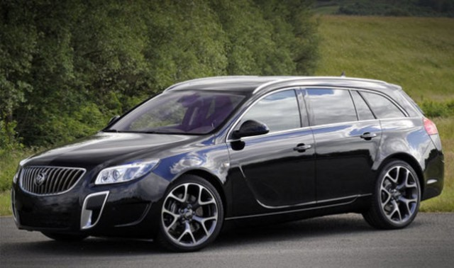 2018 Buick Regal Wagon front
