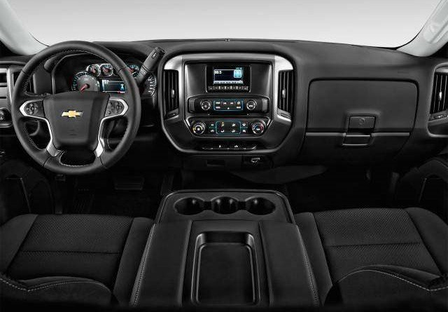 2018 Chevy Silverado interior