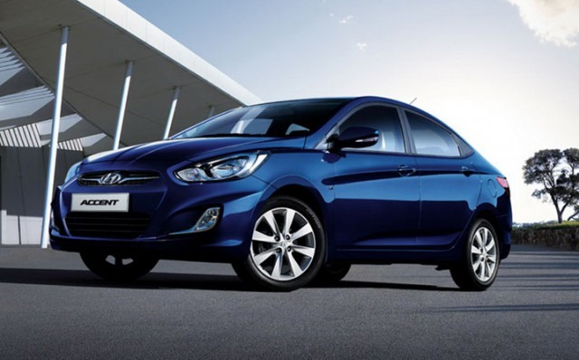 2018 Hyundai Accent front