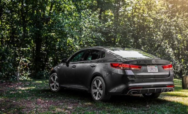 2018 Kia Optima rear