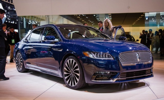 2018 Lincoln Continental front