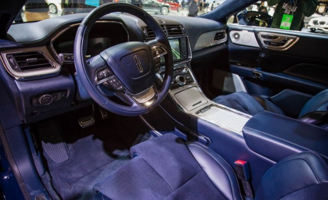 2018 Lincoln Continental interior