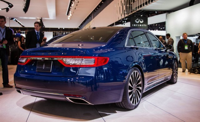 2018 Lincoln Continental rear