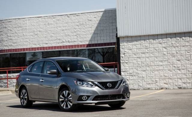 2018 Nissan Sentra front