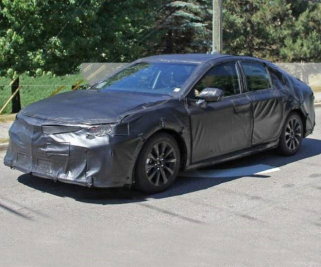 2018 Toyota Camry front spy photos