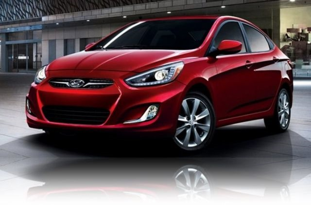 2017 Hyundai Accent - front