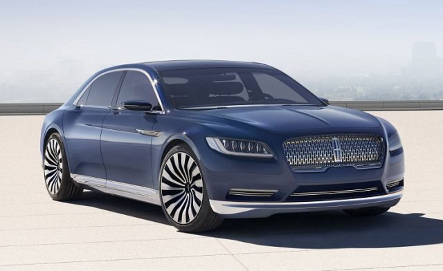 2017 Lincoln Town Car - front