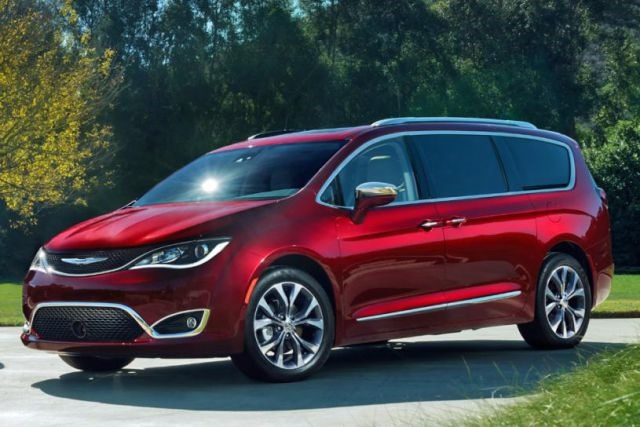 2017 Chrysler Pacifica - front