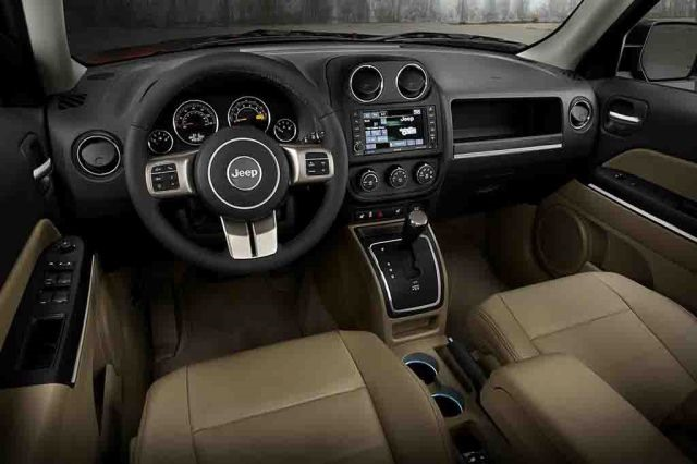 2018 Jeep Patriot - interior