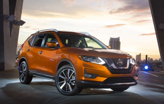 2018 Nissan Rogue - front