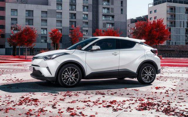 2018 Toyota C-HR - side