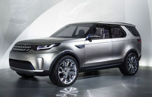 2018 Land Rover LR4 - front