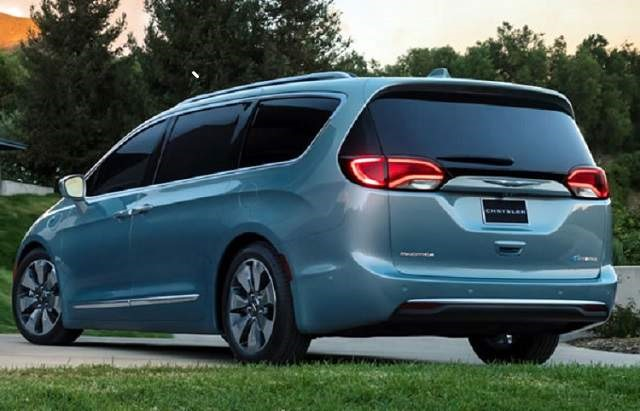 2018 Chrysler Pacifica - rear