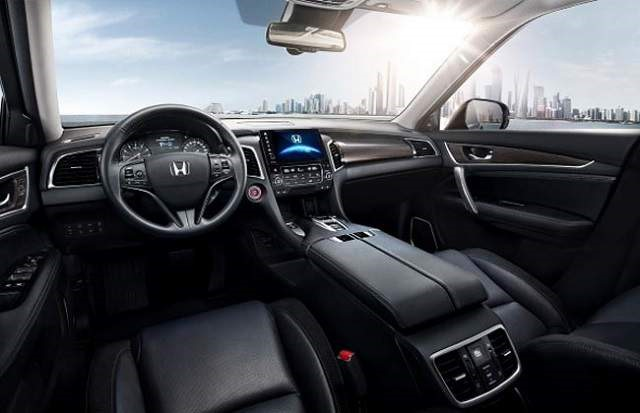 2018 Honda Avancier - interior