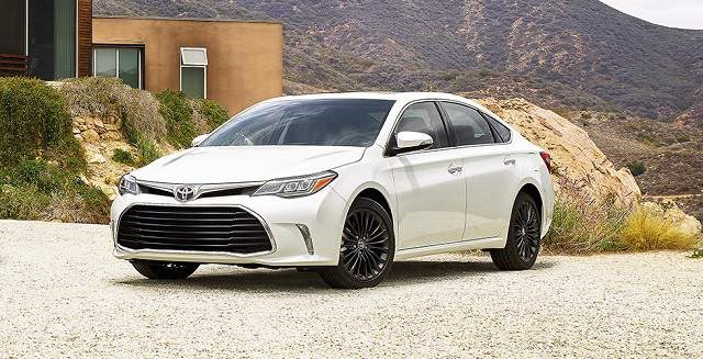 2019 Toyota Avalon - front