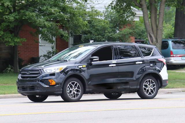 2019 Ford Escape Hybrid - front