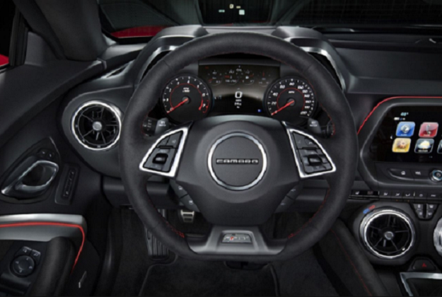 2020 Chevrolet Camaro interior